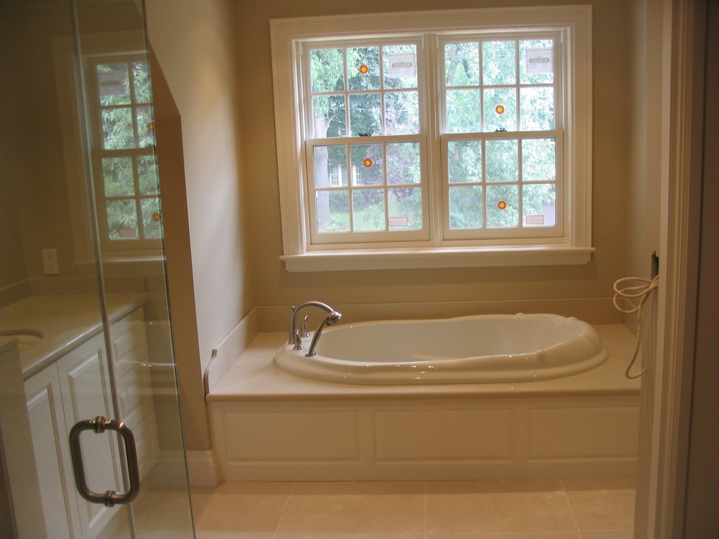 index of gallery photos bathrooms built in tubs. Black Bedroom Furniture Sets. Home Design Ideas